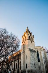Dans les rues d'Avignon, l'Eglise Saint-Didier
