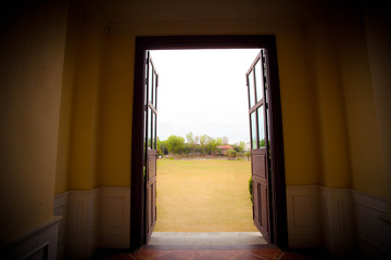 Doors opening to garden.