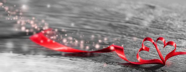 Magic ribbon hearts