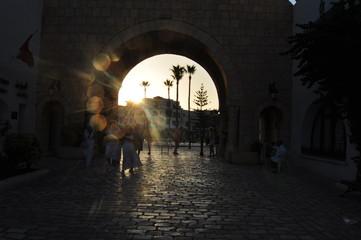 Burgtor in Mahdia bei Gegenlicht