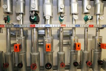 Stellantriebe für Ventile (Actuators for valves)