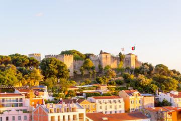 Castelo de São Jorge, die Burg als Wahrzeichen von Lissabon, Portugal.