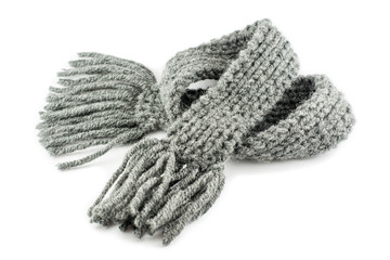 Шерстяной шарф на белом фоне