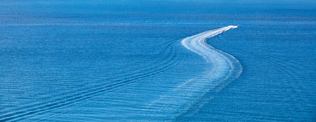Speed boat in ocean