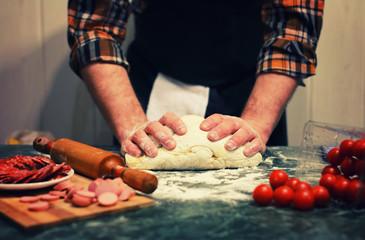 prepare dough pizza topping