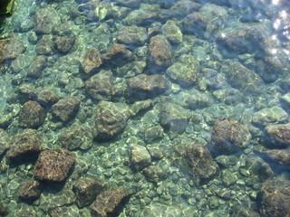 Подводные морские камни
