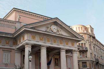 Imbrunire sui palazzi di Trieste