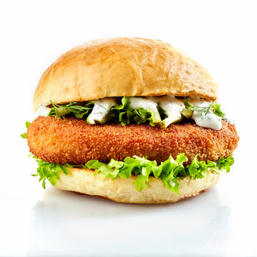 Breaded chicken burger with fresh salad