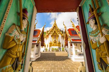 Dusit Maha Prasat Throne Hall at Wat Phra Kaew, Bangkok, Thailan