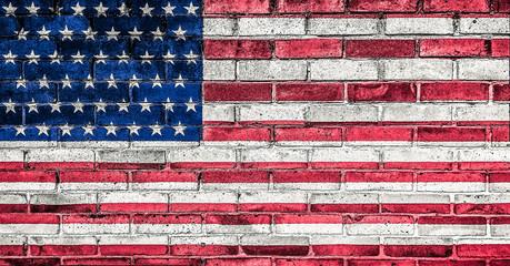 Amerikanische Flagge auf Mauer.