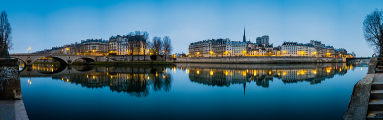 Photo sur cadre textile Paris Seine River in Paris France at Sunrise