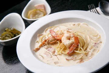 shrimp cream pasta on dish