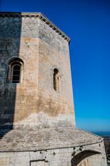 Dans l'Abbaye de Montmajour près d'Arles