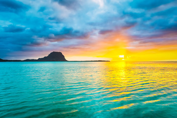 Fototapete - Amazing view of Le Morne Brabant at sunset.Mauritius.