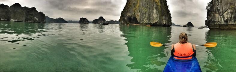 halong kayak panorama
