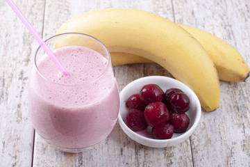 Smoothies with frozen cherry
