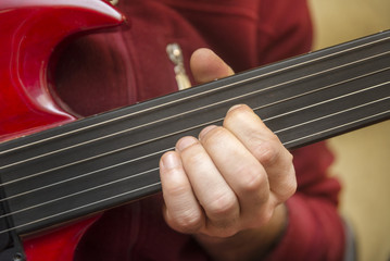 Playing Fretless Electric Guitar