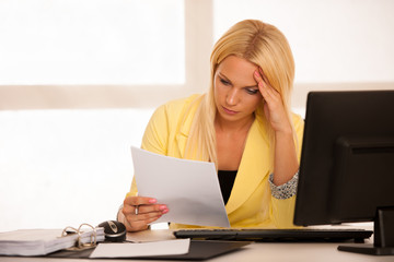 chrisis and depression - Businiss woman in office with bad busin