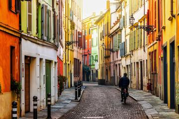 Photo sur Plexiglas Ruelle etroite Old scenic street in Parma, Emilia-Romagna, Italy.