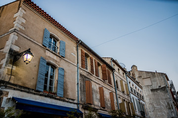 Dans les rues d'Arles, porte de la Camargue