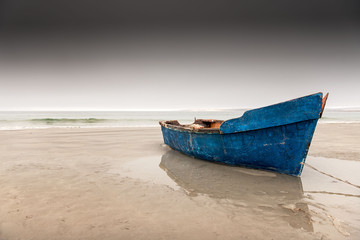 Fishing boat, Paternoster beach, Western Cape. Fototapete