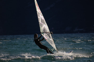 Windsurf all'alba