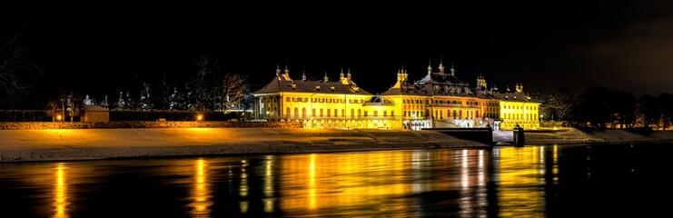 Das Schloss Pillnitz in der Nacht  ( Deutschland, Dresden )