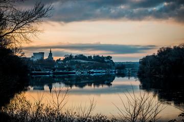 Coucher de soleil sur la Cité des papes d'Avignon