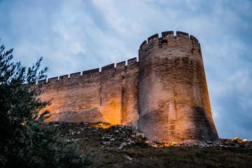 Le Fort Saint-André de Villeneuve-lès-Avignon de nuit
