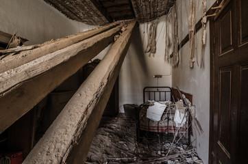 zerstoertes schlafzimmer