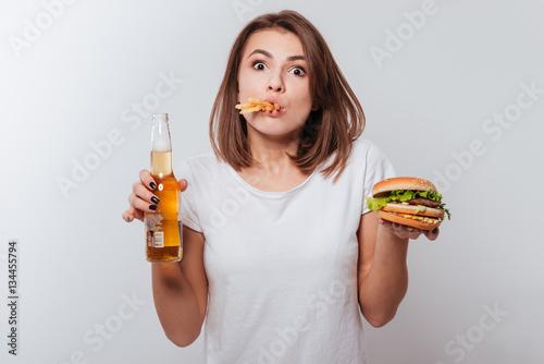 slamme eating fast food - HD1687×1126