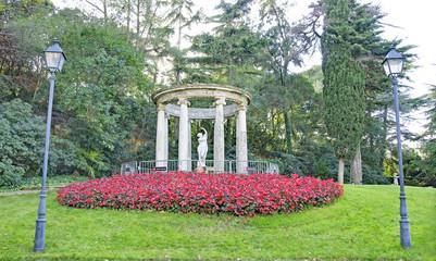 Jardines y esculturas del palacete de Albeniz, Montjuic, Barcelona