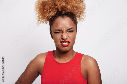 """angry black woman screw up her face"" Imagens e fotos de ..."