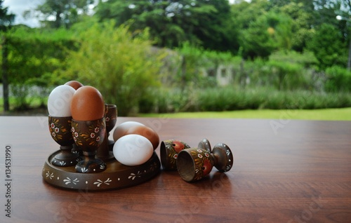 Jogo de utens lios para servir ovo quente com suporte e for Utensilios para servir comida