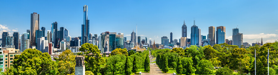 Spoed Fotobehang Australië Panorama of Melbourne from Kings Domain parklands - Australia