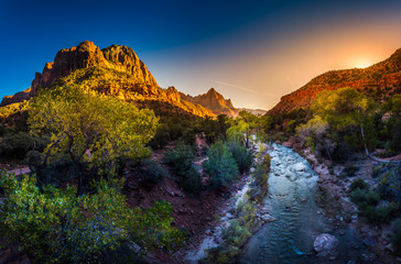 Poster de jardin Parc Naturel Zion National Park Virgin River and The Watchman at Sunset