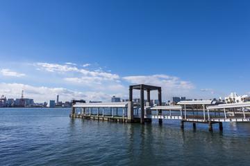 東京湾の船着き場