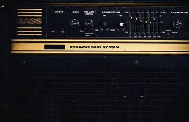 Old Retro Bass Amp
