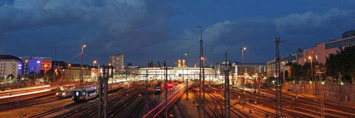 Wall Murals Train Station Der Hauptbahnhof in München
