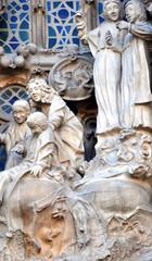 Szene an der Geburtsfassade der Sagrada Familia