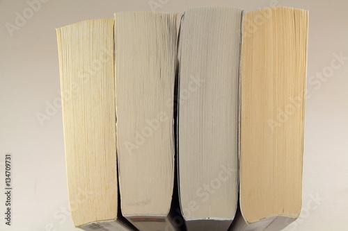 rang e de livres de poche imagens e fotos de stock royalty free no imagem 134709731. Black Bedroom Furniture Sets. Home Design Ideas