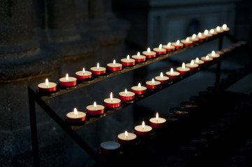 Gedenkkerzen in Kirchw