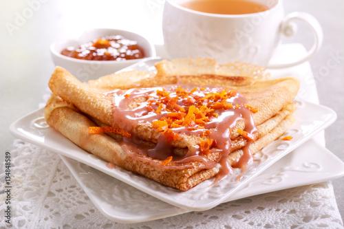 """Crepes with caramel sauce"" Stockfotos und lizenzfreie ..."