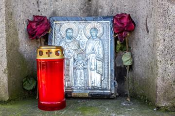 Grablicht mit Ikone, Marienbild
