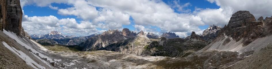 Berglandschaft in den Sextener Dolomiten bei den drei Zinnen / Panorama