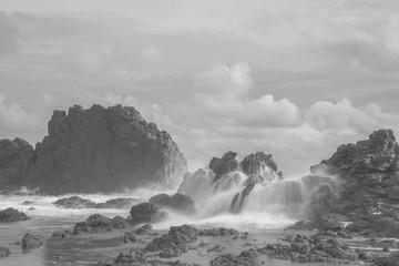 Silky Wave Rock Beach