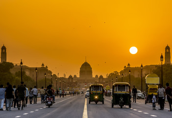 Sunset nearby the Presidential Residence, Rashtrapati Bhavan, New Delhi, India.  Fotomurales