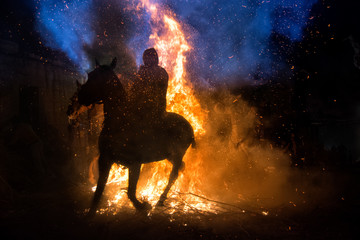 Fotobehang Kamperen Horse rider and fire