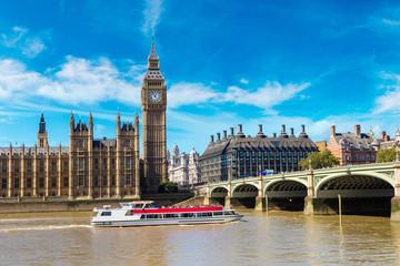 Foto op Aluminium Londen rode bus Big Ben, Parliament, Westminster bridge in London