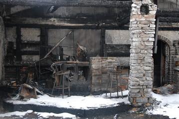 Abgebranntes Gebäude
